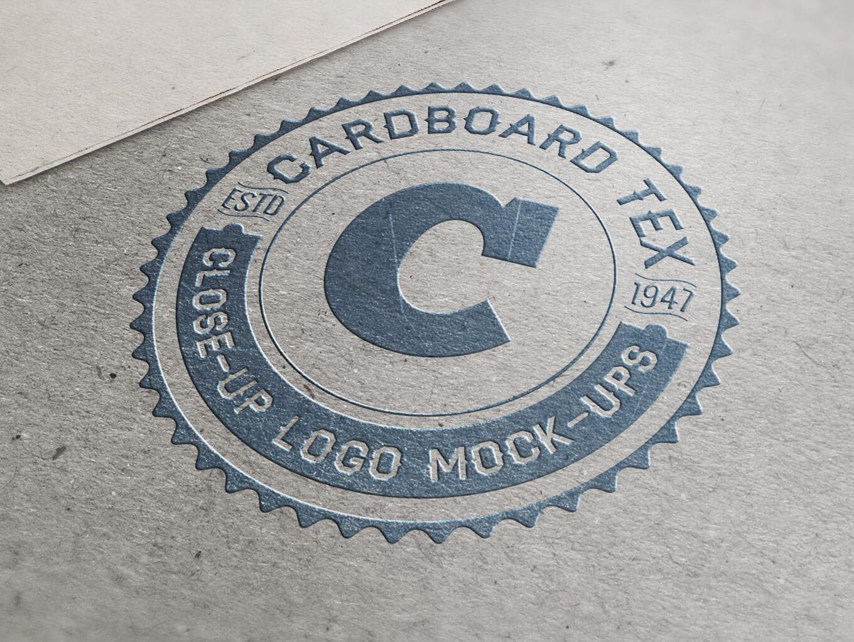 close-up-mockup-logo